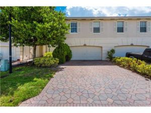 5156 Stagecoach Dr. Coconut Creek, Florida - Hometaurus