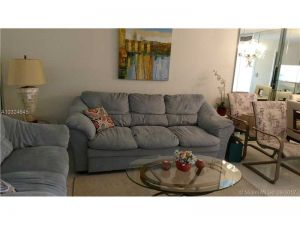 3001 NW 48th Ave #438. Lauderdale Lakes, Florida - Hometaurus