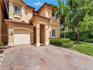 7116 NW 116 Court #7116. Doral, Florida - Hometaurus