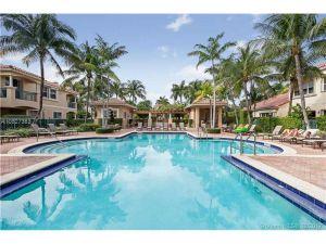 984 Harbor Vw N #0. Hollywood, Florida - Hometaurus