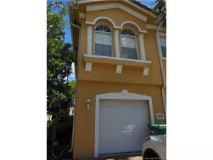 1705 Terra Cotta Dr #1705. Riviera Beach, Florida - Hometaurus