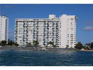 1000 West Ave #1202. Miami Beach, Florida - Hometaurus