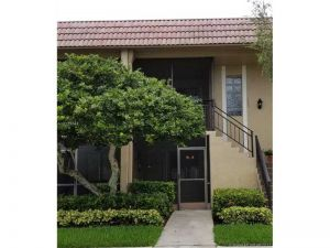 310 Lakeview Dr #105. Weston, Florida - Hometaurus