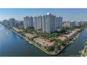 21213 NE 38th Ave #62. Aventura, Florida - Hometaurus