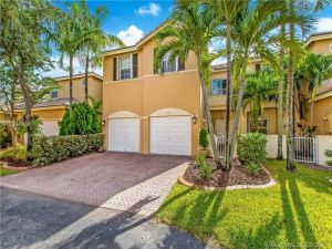 5441 NW 112th Ct. Doral, Florida - Hometaurus