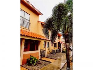 2760 W 61st Pl #102. Hialeah, Florida - Hometaurus