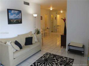 1205 Mariposa Ave #401. Coral Gables, Florida - Hometaurus