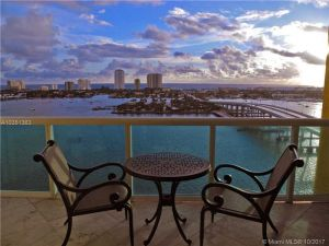 2640 Lake Shore Dr #2312. Riviera Beach, Florida - Hometaurus