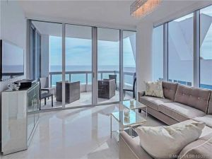 6899 Collins Ave #1708. Miami Beach, Florida - Hometaurus