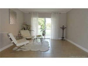 3200 Holiday Springs Blvd #108. Margate, Florida - Hometaurus