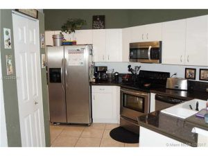 9088 NW 55th St #9088. Sunrise, Florida - Hometaurus