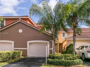 3704 San Simeon Cr #3704. Weston, Florida - Hometaurus