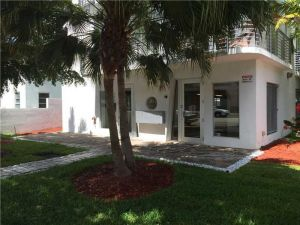945 Michigan Av #2. Miami Beach, Florida - Hometaurus
