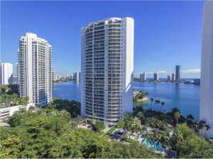 4000 Island Blvd #604. Aventura, Florida - Hometaurus