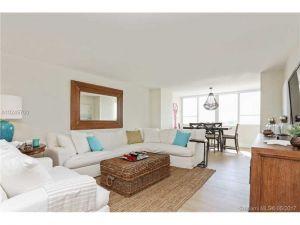 5005 Collins Ave #805. Miami Beach, Florida - Hometaurus