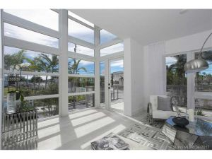 65 N Shore Drive #31h. Miami Beach, Florida - Hometaurus