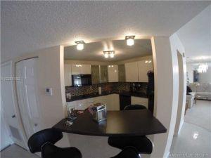 2750 NE 183 Street #2207. Aventura, Florida - Hometaurus
