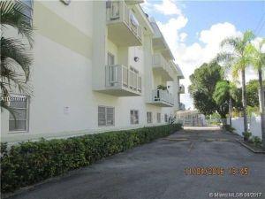 12890 NE 8th Ave #311. North Miami, Florida - Hometaurus