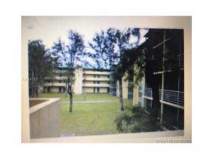 3700 NW 21st #409. Lauderdale Lakes, Florida - Hometaurus