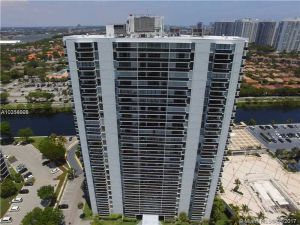 3625 N Country Club Dr #2304. Aventura, Florida - Hometaurus