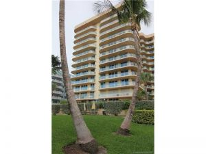 8855 Collins Ave #7a. Surfside, Florida - Hometaurus