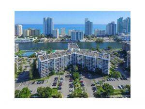 1000 Parkview Dr #329. Hallandale, Florida - Hometaurus