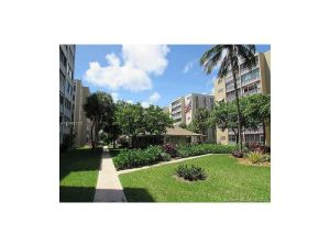 609 NE 14th Ave #702. Hallandale, Florida - Hometaurus
