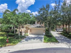 2651 Center Ct Dr #2-8. Weston, Florida - Hometaurus