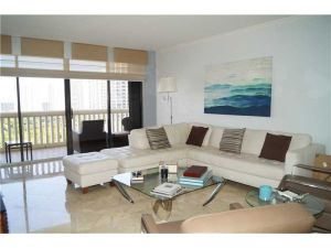 2000 Island Blvd #1610. Aventura, Florida - Hometaurus