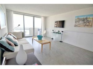 1500 Bay Rd #830. Miami Beach, Florida - Hometaurus