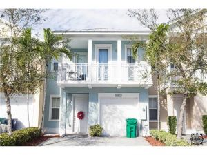 10871 NW 76th Ln #10871. Medley, Florida - Hometaurus