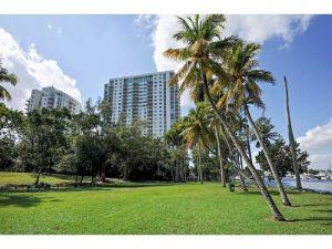 1871 NW South River Dr #A03. Miami, Florida - Hometaurus