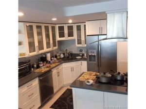 1620 S Ocean Blvd #3j. Lauderdale By The Sea, Florida - Hometaurus