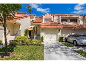 3413 Water Oak Dr #1403. Hollywood, Florida - Hometaurus