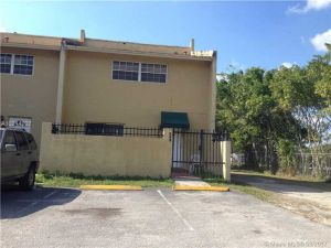 571 NE 12th Ave #571. Homestead, Florida - Hometaurus