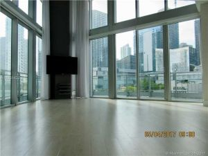 92 SW 3 St #506. Miami, Florida - Hometaurus