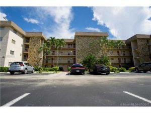 8121 SW 24th Ct #104. Davie, Florida - Hometaurus