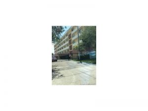 11000 SW 200th St #414. Cutler Bay, Florida - Hometaurus