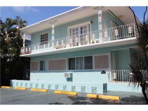 945 Meridian Ave #6. Miami Beach, Florida - Hometaurus