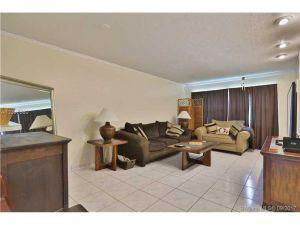 3431 NW 50th Ave #303. Lauderdale Lakes, Florida - Hometaurus