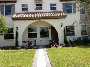4013 Cascada Cir. Cooper City, Florida - Hometaurus