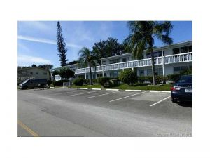 326 S Oakridge  S #326. Deerfield Beach, Florida - Hometaurus