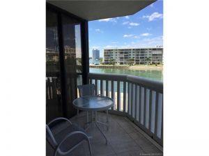 1000 Island Blvd #203. Aventura, Florida - Hometaurus