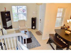 9145 SW 227th St #1. Cutler Bay, Florida - Hometaurus