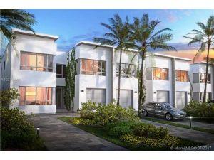 2467 NE 135 St #D. North Miami, Florida - Hometaurus