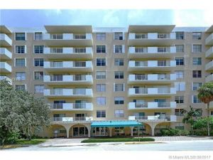 1455 N Treasure Dr #1c. North Bay Village, Florida - Hometaurus
