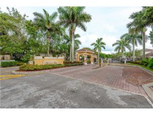 921 NE 42nd Pl #0. Homestead, Florida - Hometaurus