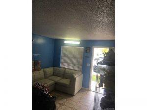 575 E 8th St #575. Hialeah, Florida - Hometaurus