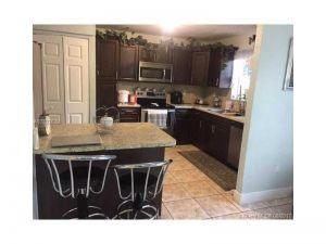 8135 W 8th Ct #8135. Hialeah, Florida - Hometaurus