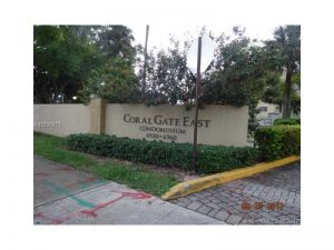 6960 Miami Gardens Dr #2-328. Hialeah, Florida - Hometaurus